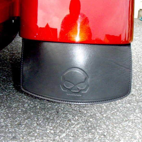 trike mud flaps with embossing