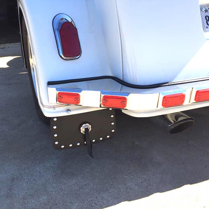 trike mud flap with studs and Concho1